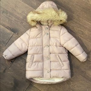 Puffy coat with fur collar